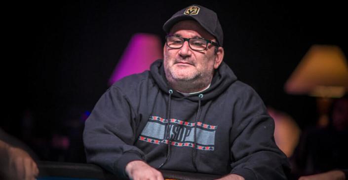 Mike Matusow menjadi liar di turnamen online WSOP
